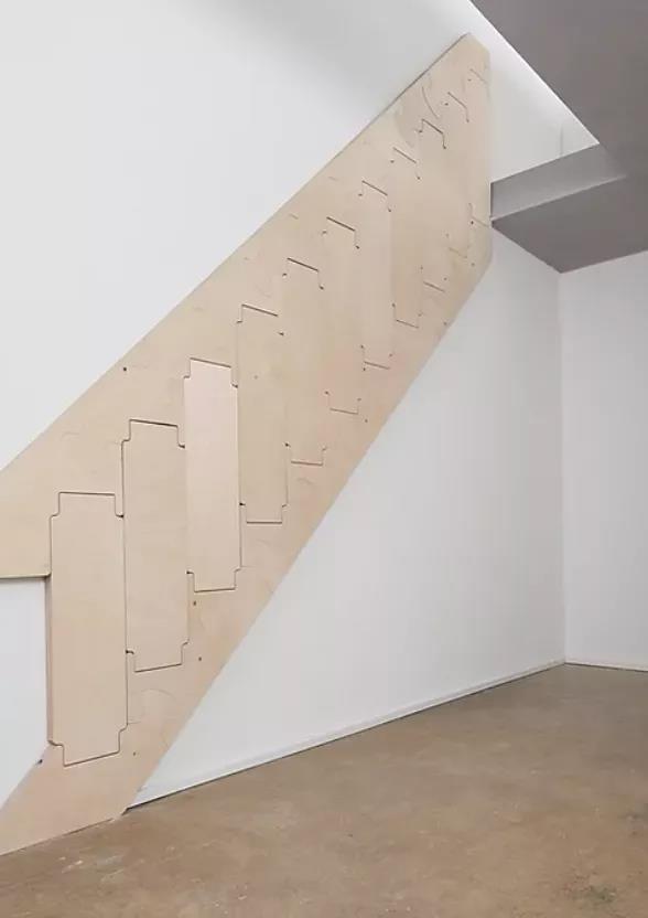 德国发明这个楼梯,可以像拼图一样折叠并贴在墙上
