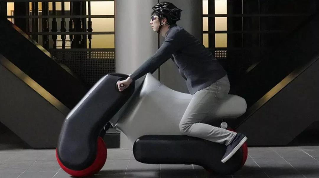日本发明充气摩托车 脑洞够大!