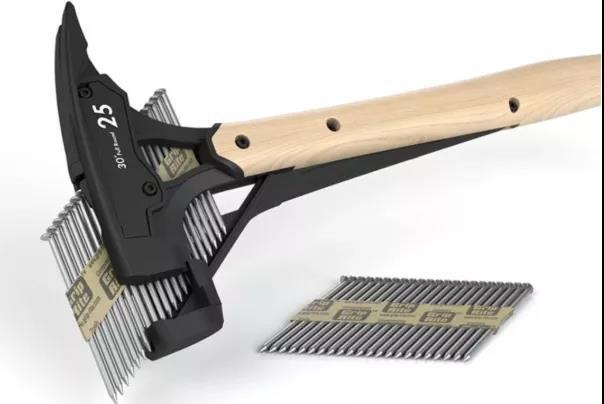 美国小伙发明自动锤 钉钉子一只手搞掂